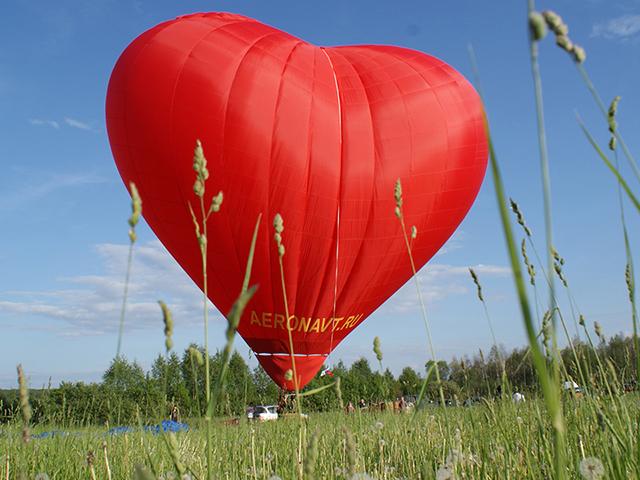 Индивидуальный полет на шаре в форме сердца от poletomania