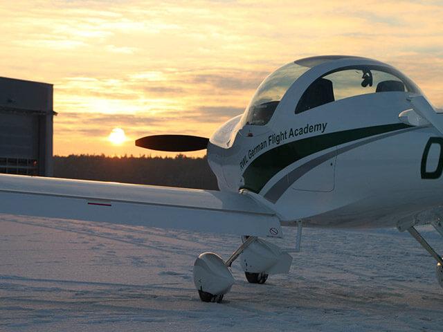 40 минут полета на Aquila A210 от poletomania