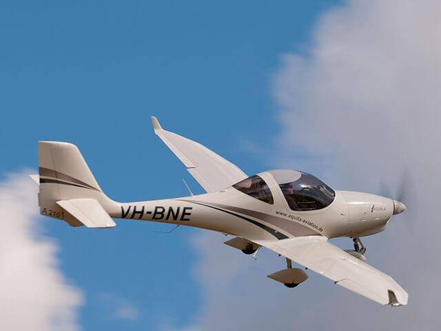 30 минут полета на Aquila A210 от poletomania