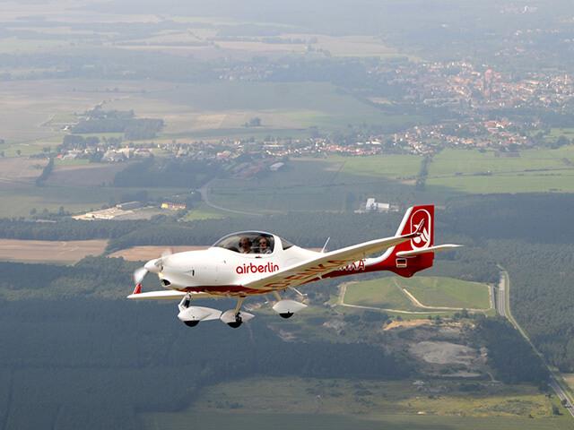 20 минут полета на Aquila A210 от poletomania