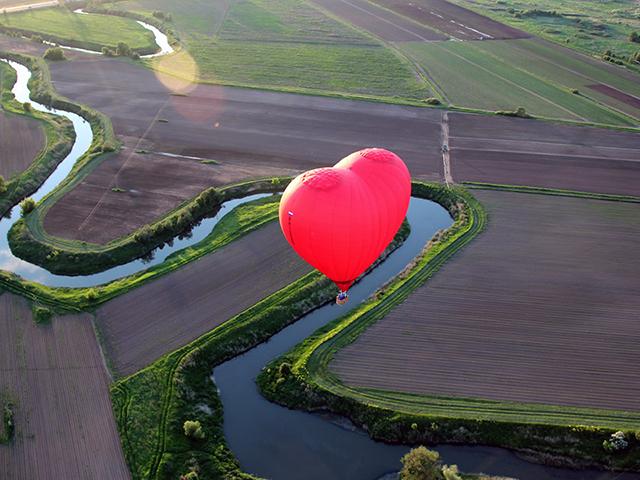 Полет на воздушном шаре (1 взрослый + 2 ребенка) от poletomania